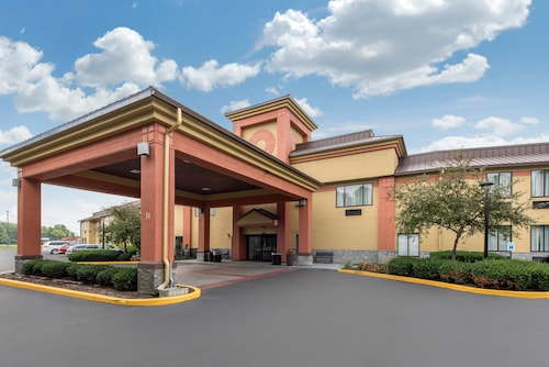 Quality Inn & Suites Brownsburg - Indianapolis West