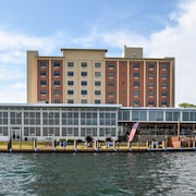 Niagara Riverside Resort, BW Premier Collection