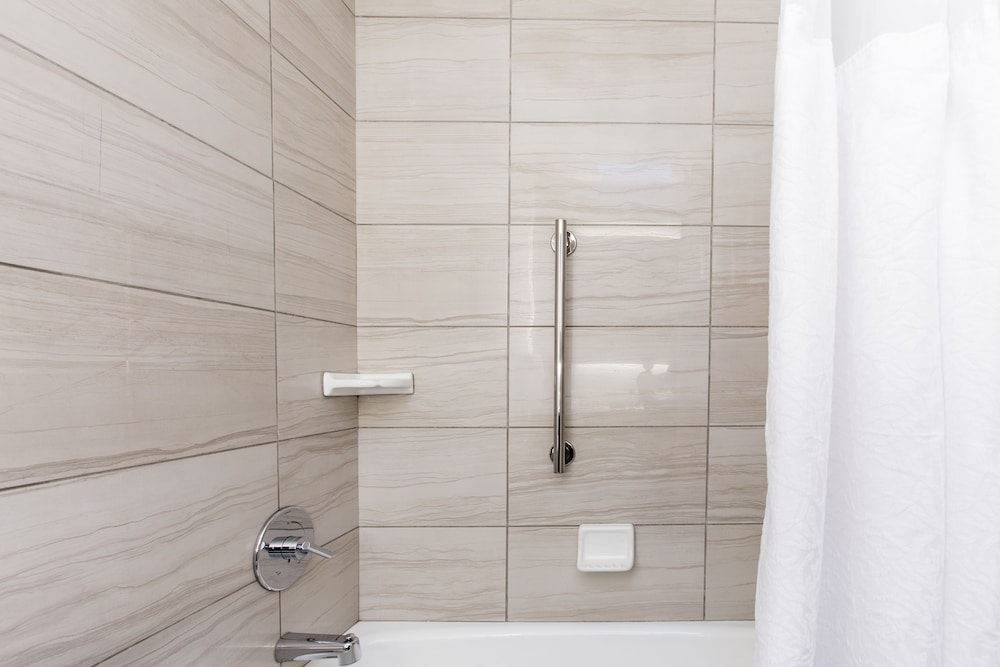 Bathroom Shower, Royal Palace Westwood