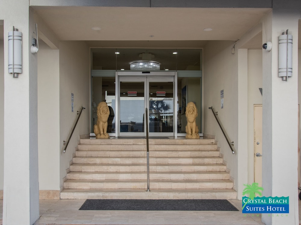 Property Entrance, Crystal Beach Suites Oceanfront Hotel
