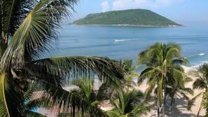 Ubicación a pie de playa y vóley playa