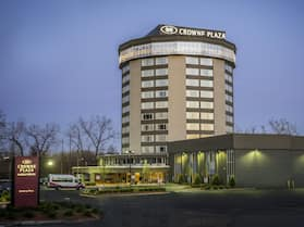 Crowne Plaza Saddle Brook