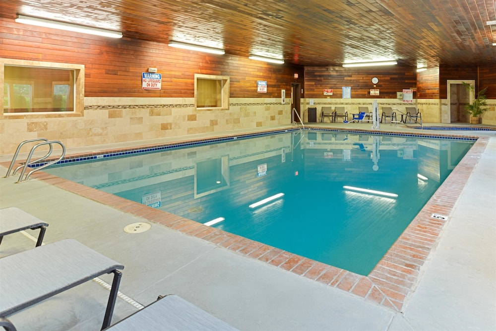 Pool, Best Western Plus Landmark Inn