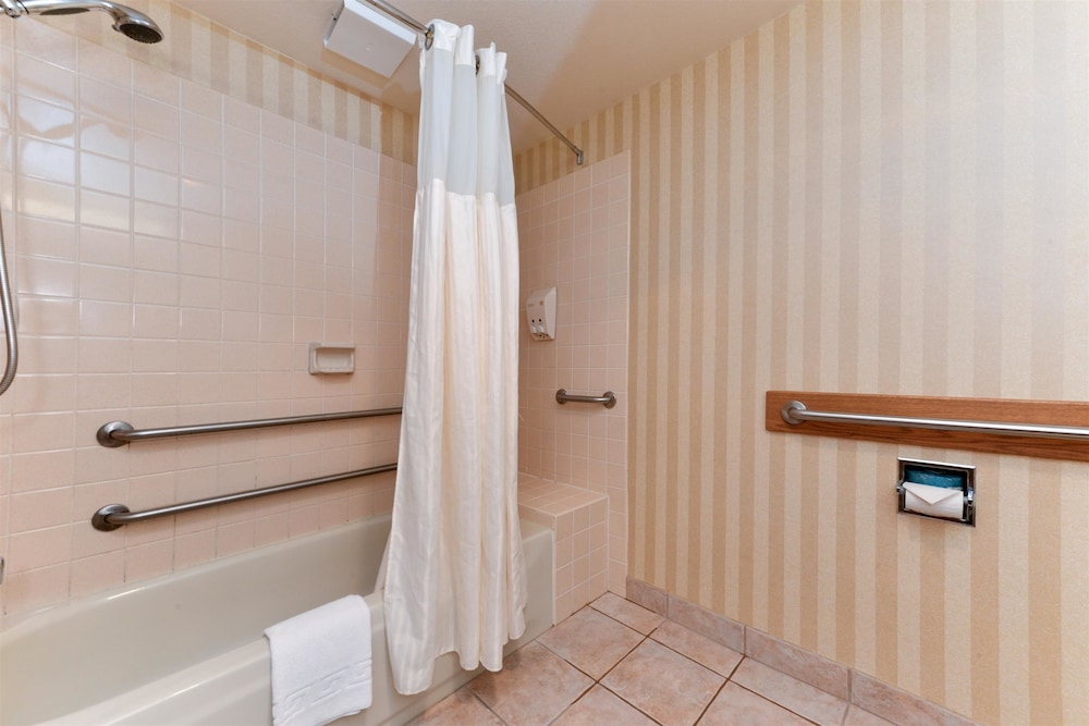 Bathroom, Best Western Plus Landmark Inn