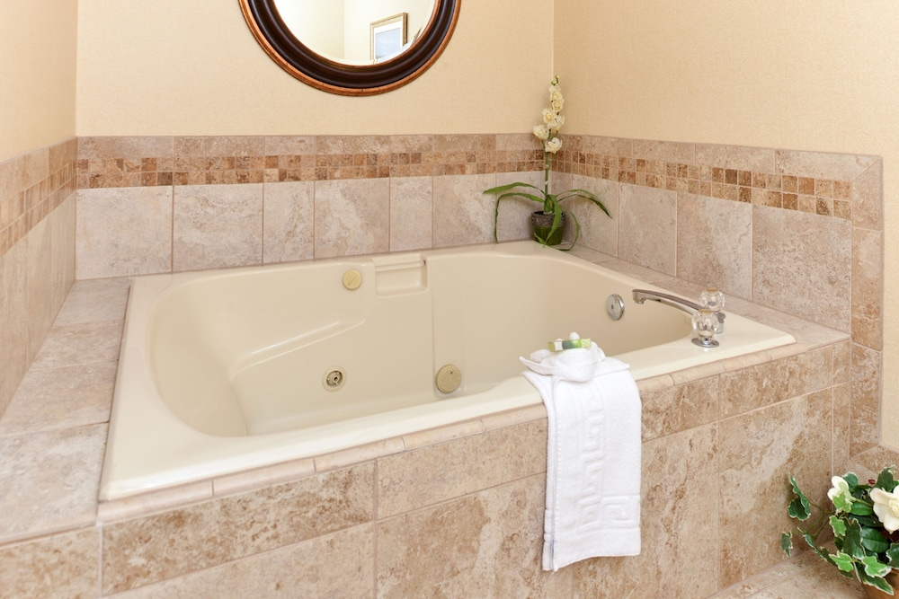 Jetted Tub, Best Western Plus Landmark Inn