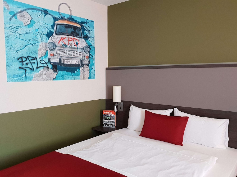 Room, Mercure Airport Hotel Berlin Tegel