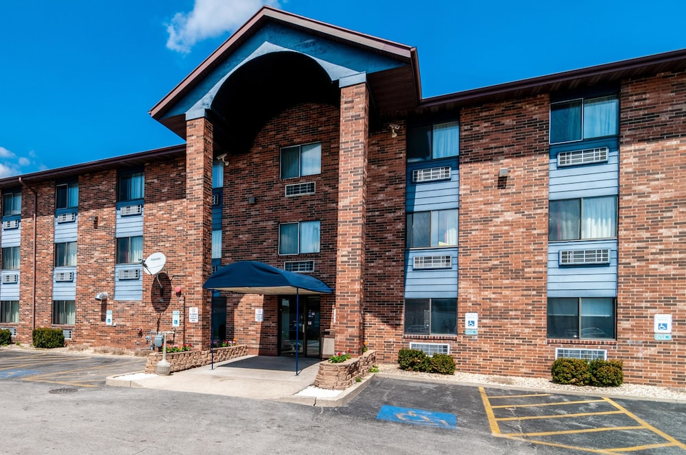 Featured Image, Motel 6 Naperville, IL