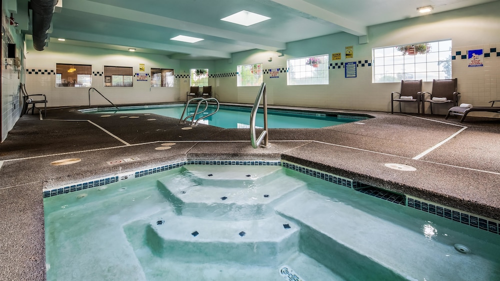 Pool, Best Western Oak Meadows Inn