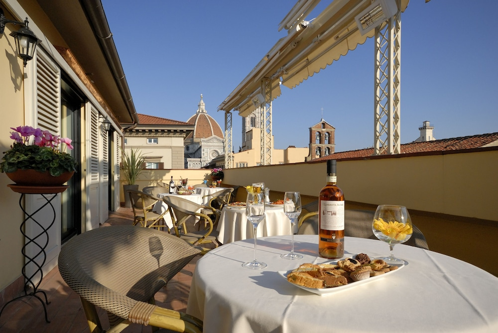 Hotel laurus al duomo in florence hotel rates reviews for Hotels florence
