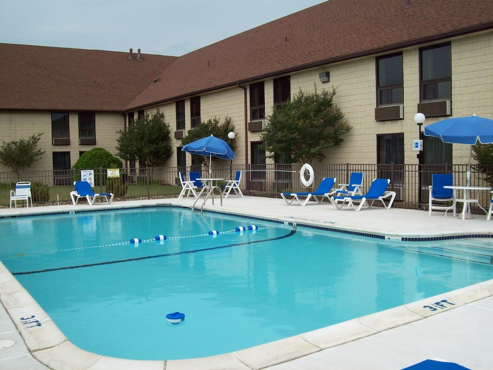 Pool, Best Western Galaxy Inn