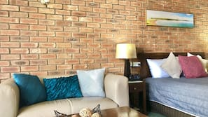 Pillow-top beds, free minibar, desk, soundproofing