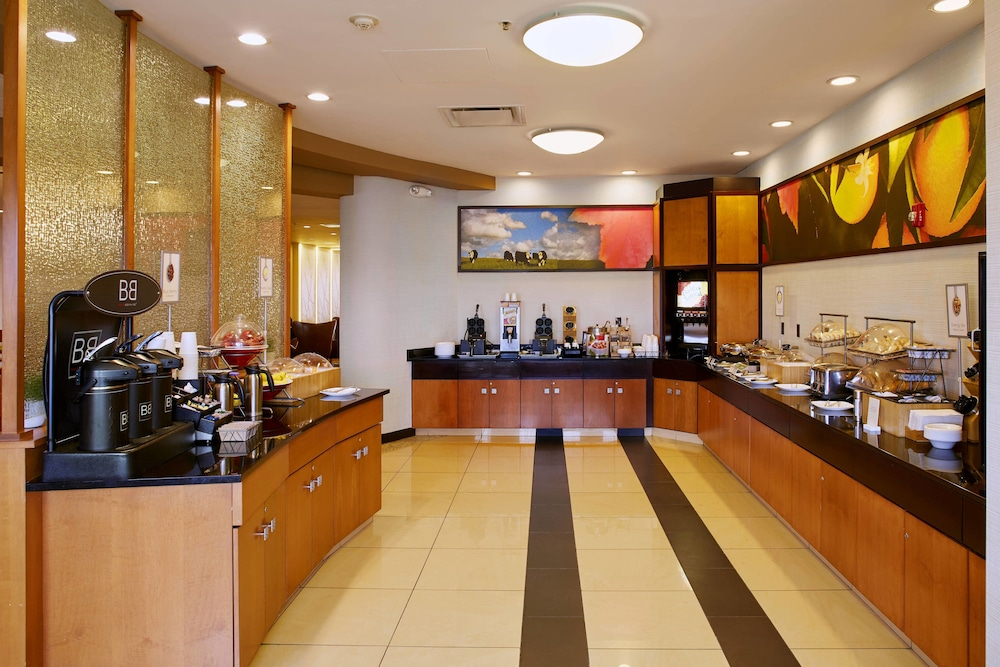 Restaurant, Fairfield Inn & Suites by Marriott Cleveland Beachwood