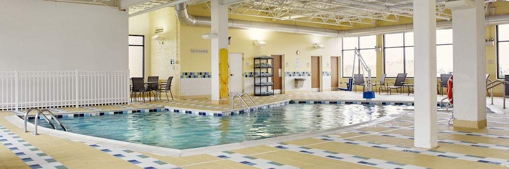 Indoor Pool, Fairfield Inn & Suites by Marriott Cleveland Beachwood