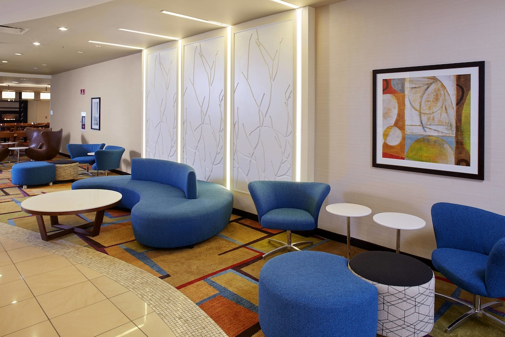 Lobby, Fairfield Inn & Suites by Marriott Cleveland Beachwood