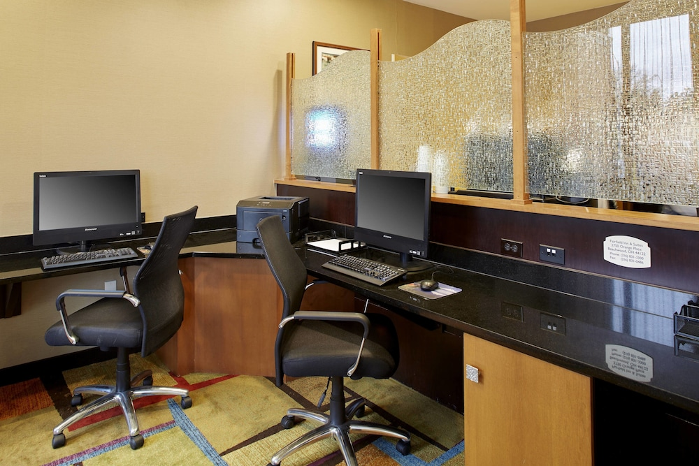 Business Center, Fairfield Inn & Suites by Marriott Cleveland Beachwood