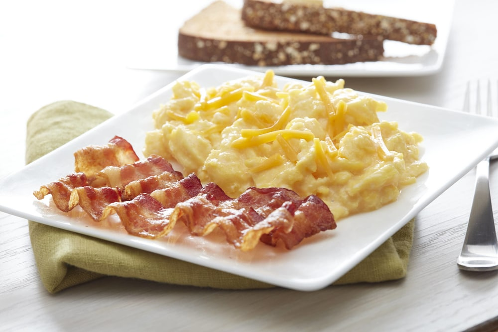 Breakfast Meal, Fairfield Inn & Suites by Marriott Cleveland Beachwood