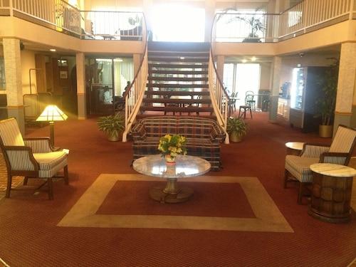 Aurora Fox Valley Inn