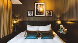 Safe på rommet, blendingsgardiner, gratis wi-fi og sengetøy