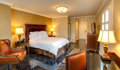 Great Place to stay Hotel Mazarin near New Orleans