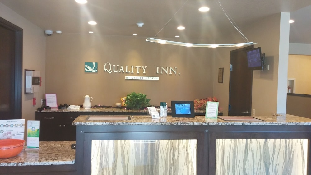 Reception, Quality Inn