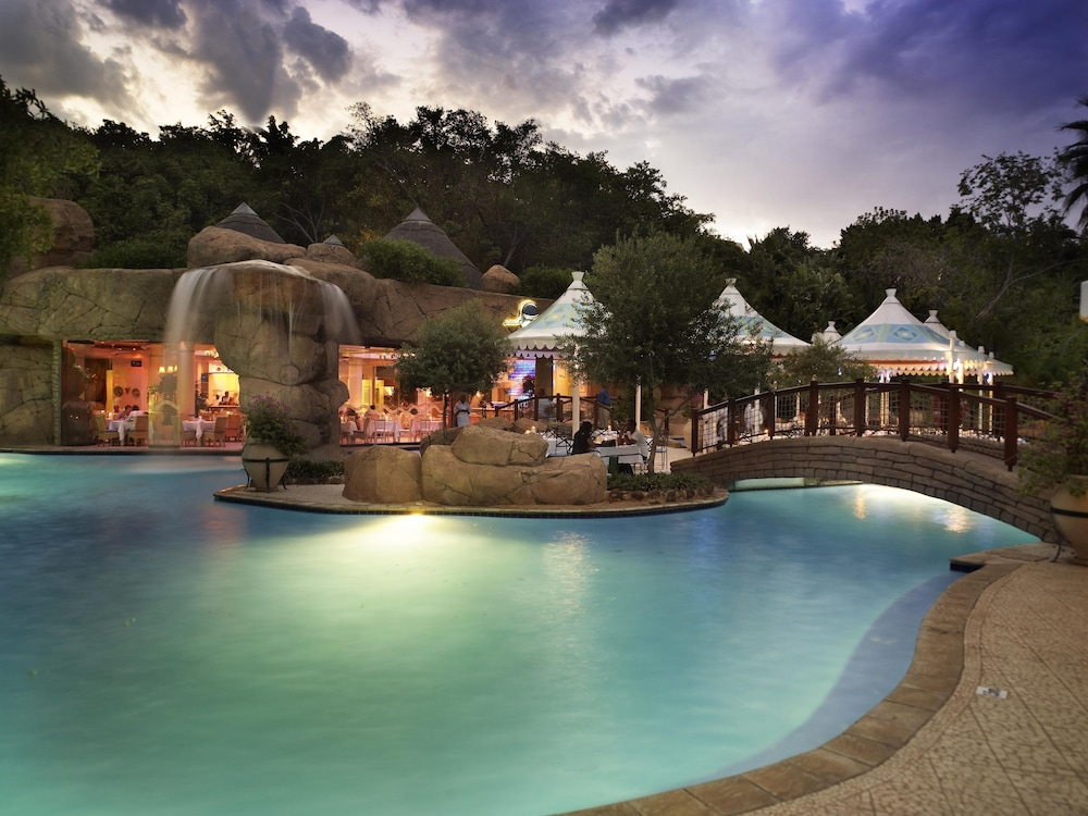 Outdoor Pool, The Cascades Hotel at Sun City Resort