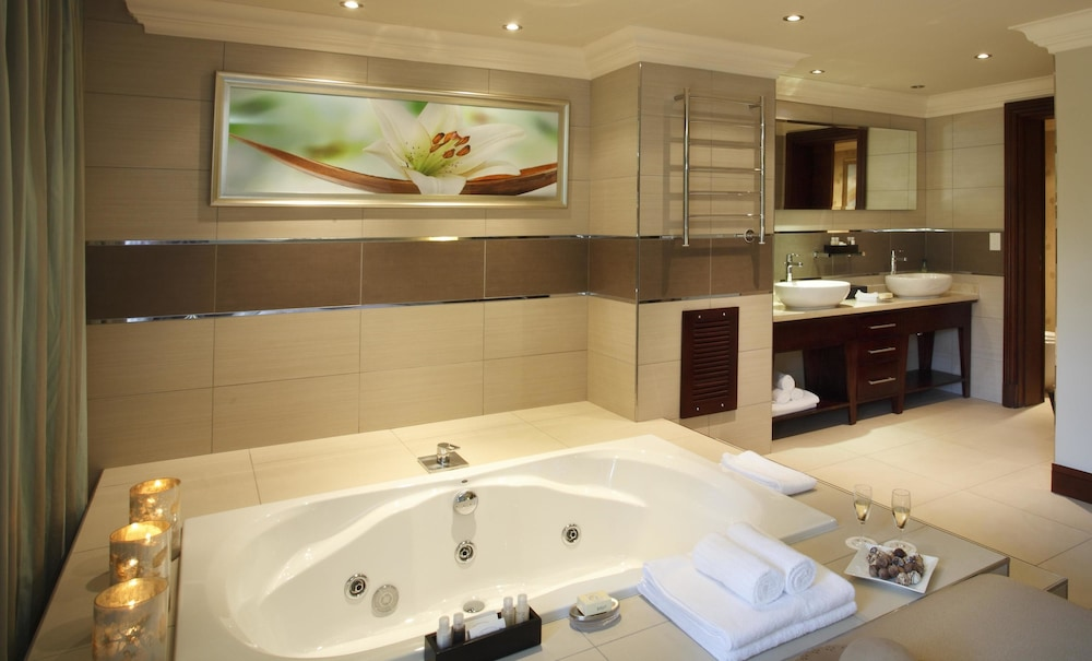 Jetted Tub, The Cascades Hotel at Sun City Resort