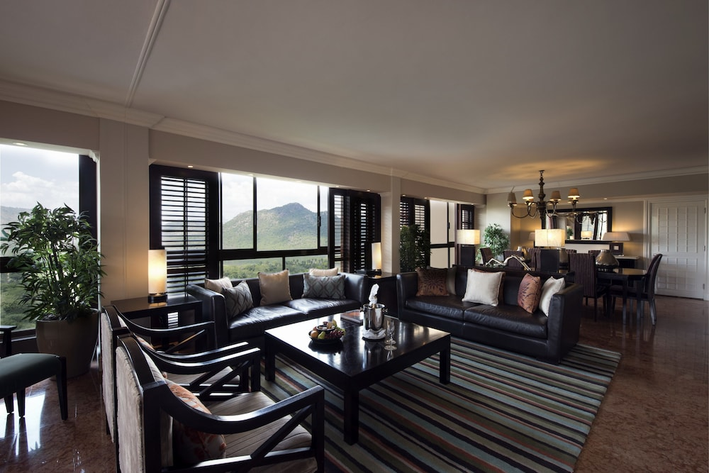 Living Room, The Cascades Hotel at Sun City Resort