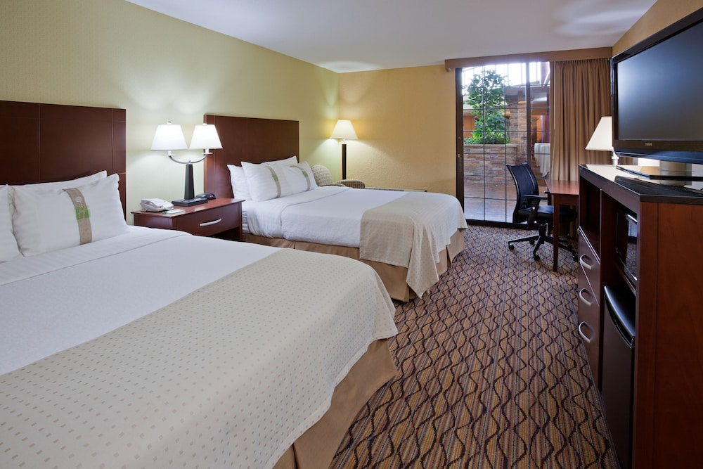 Room, Holiday Inn Bloomington Airport South Mall Area, an IHG Hotel