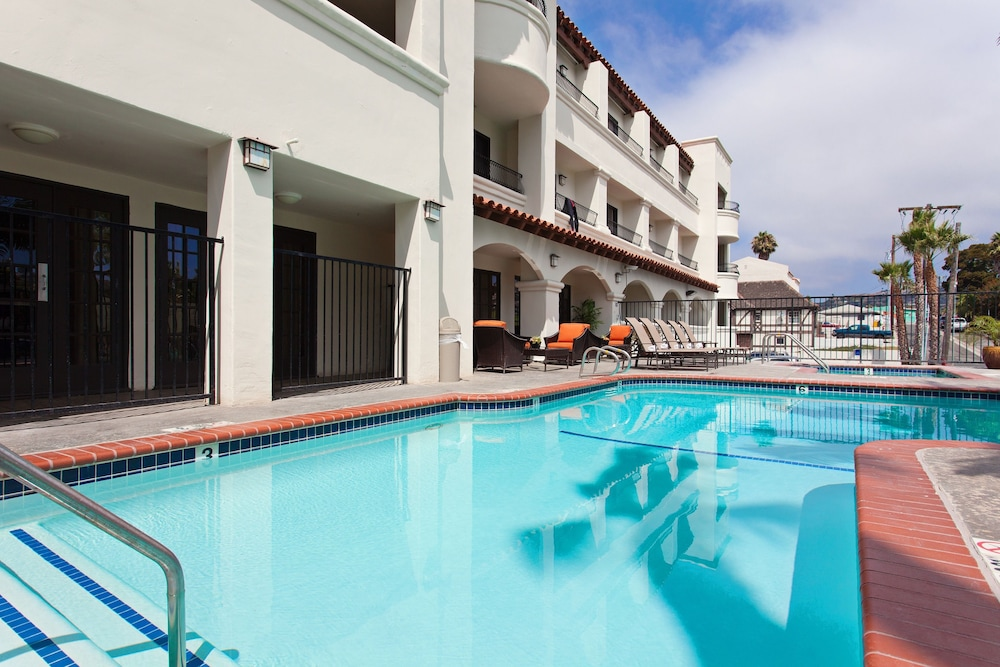 Outdoor Pool, Hampton Inn & Suites San Clemente
