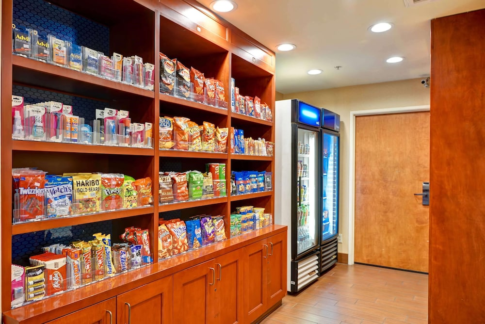 Snack Bar, Hampton Inn & Suites San Clemente