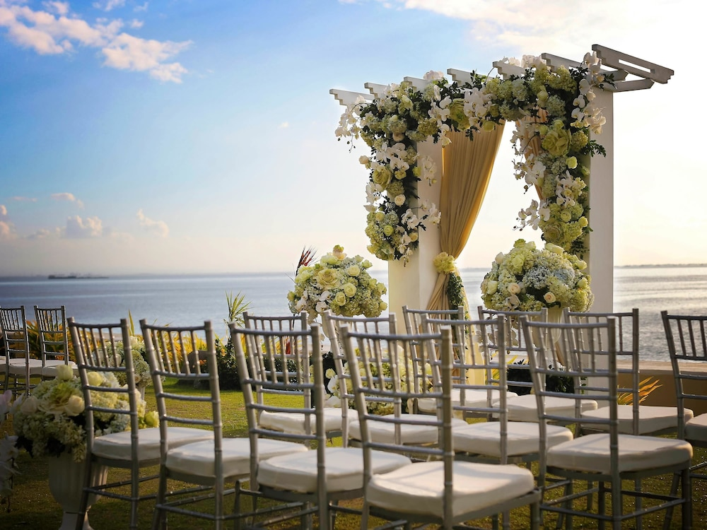 Outdoor Wedding Area, Sofitel Philippine Plaza Manila