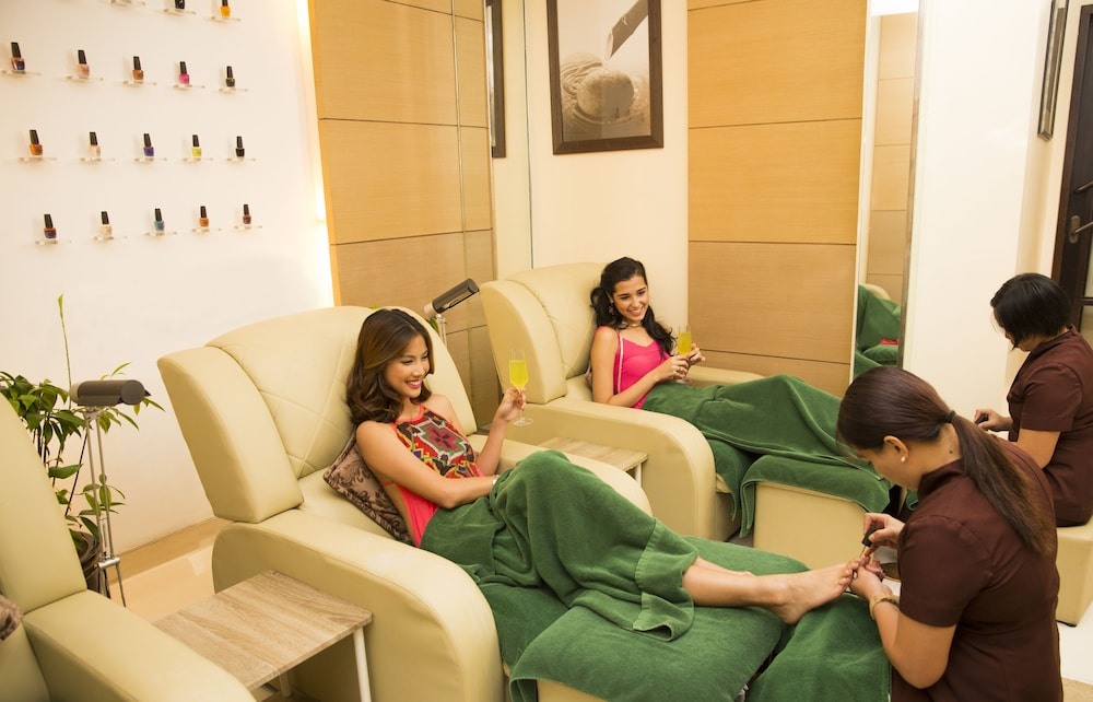 Nail Salon, Sofitel Philippine Plaza Manila