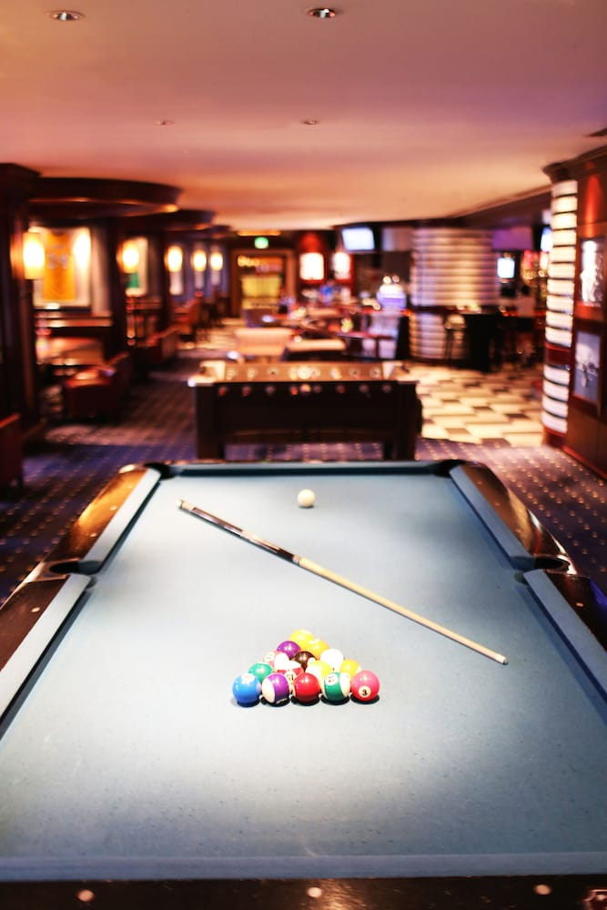 Billiards, Sofitel Philippine Plaza Manila