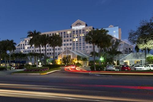 Great Place to stay Doubletree by Hilton Hotel Deerfield Beach - Boca Raton near Deerfield Beach