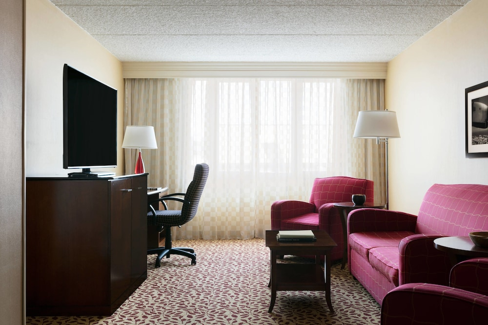 Room, Long Island Marriott