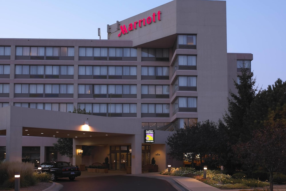 Detroit Marriott Livonia in Livonia | Hotel Rates & Reviews