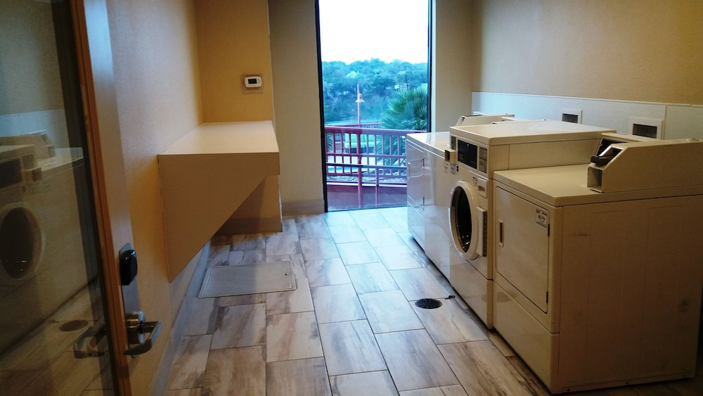 Laundry Room, Holiday Inn Austin -Town Lake