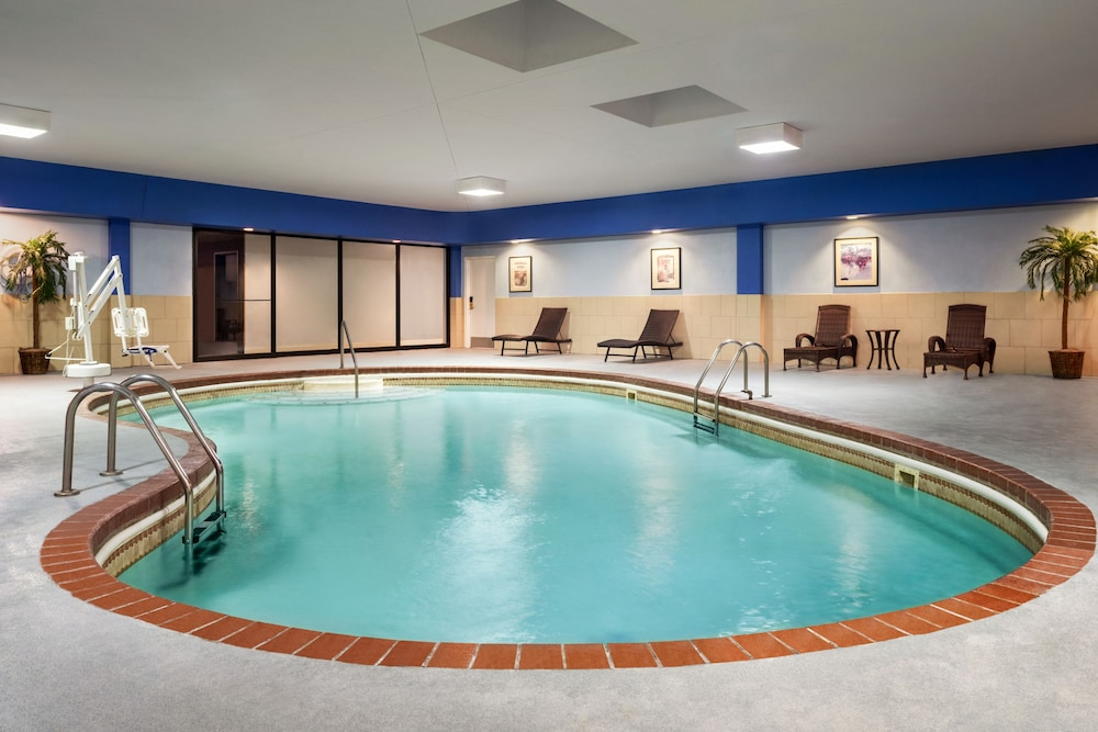 Indoor Pool, Wyndham Springfield City Centre