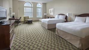 Materassi a doppio strato, cassaforte in camera, una scrivania