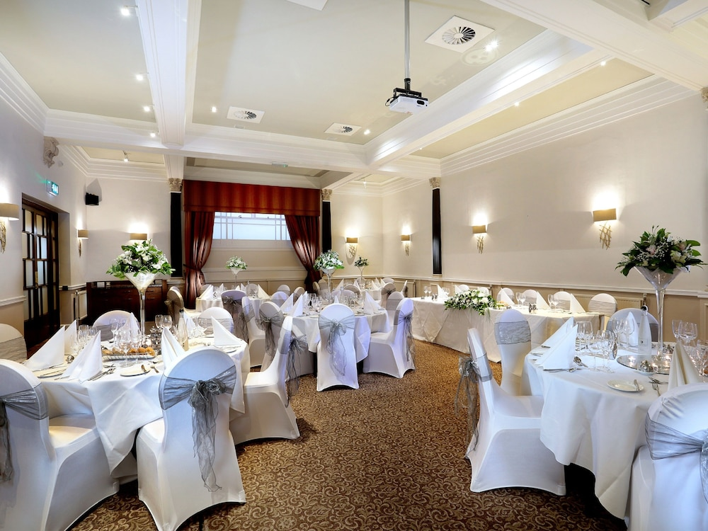 Banquet Hall, Macdonald New Blossoms Hotel, Chester