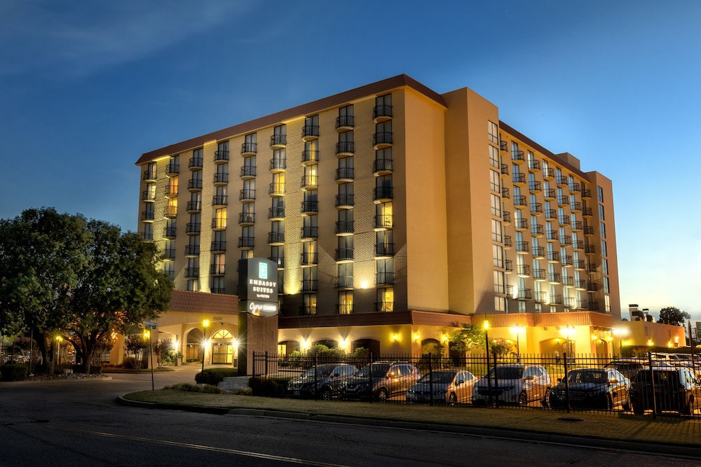 Front of Property - Evening/Night, Embassy Suites Hotel Tulsa
