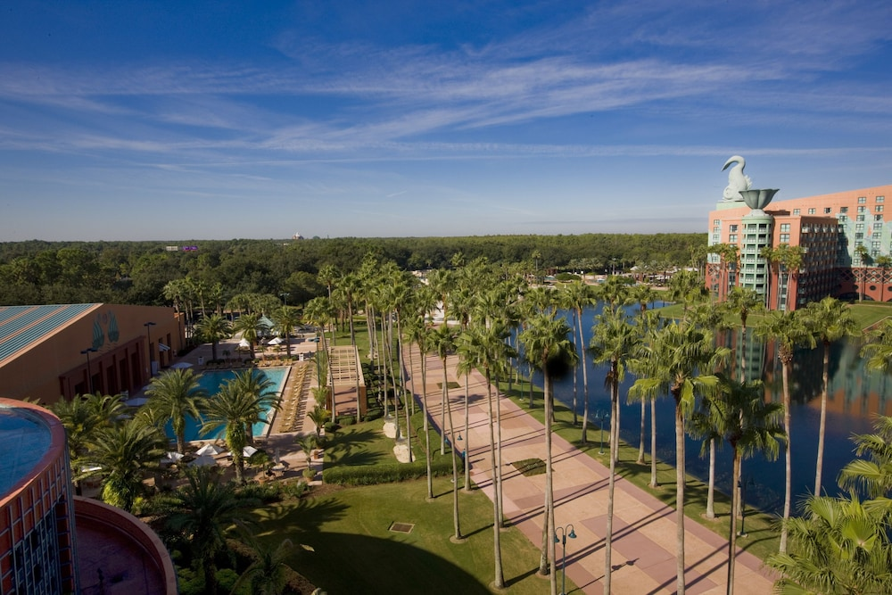 Resort View, Walt Disney World Swan