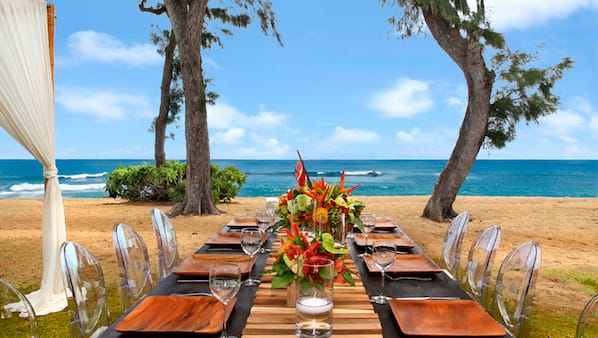 Breakfast, lunch and dinner served, local cuisine, beach views