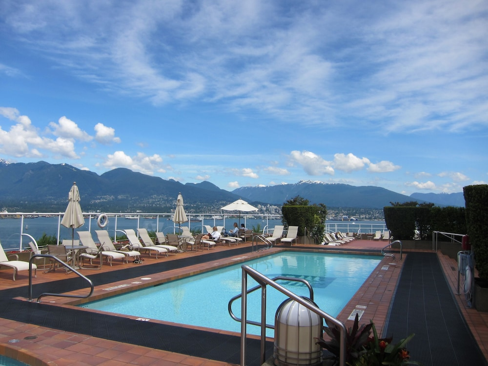 Rooftop Pool, Pan Pacific Vancouver
