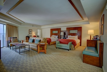 Suite, 2 Queen Beds - Guestroom