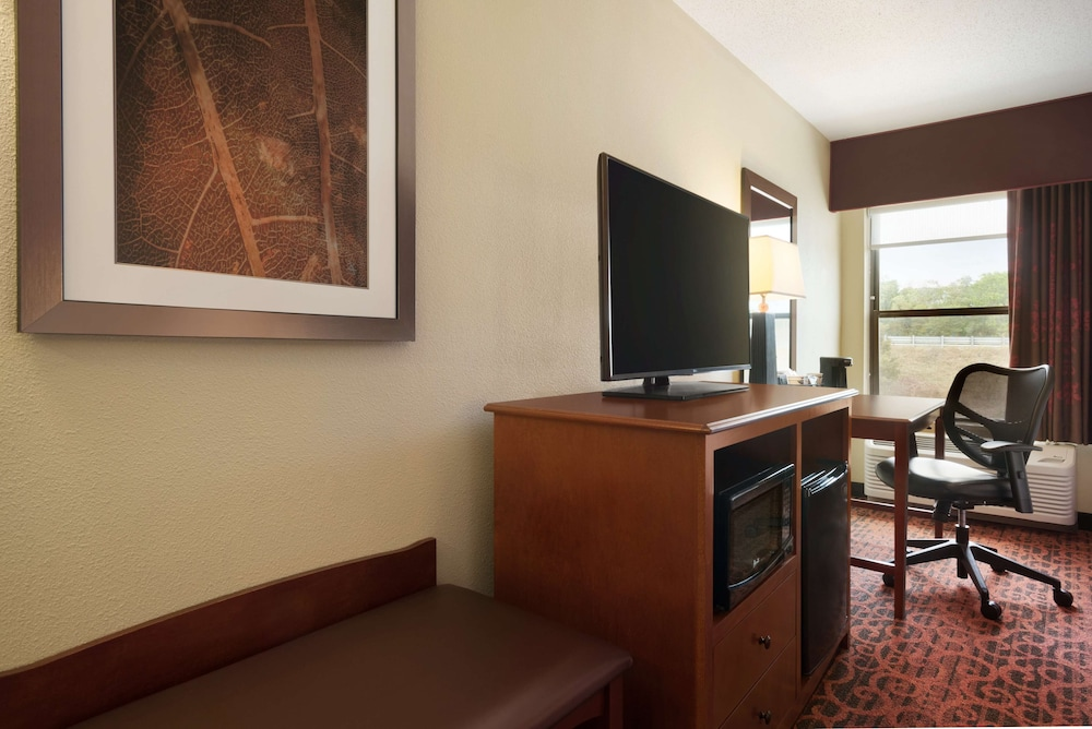 Room, Hampton Inn Battle Creek