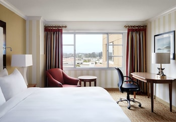 Deluxe Room, City View - Guestroom