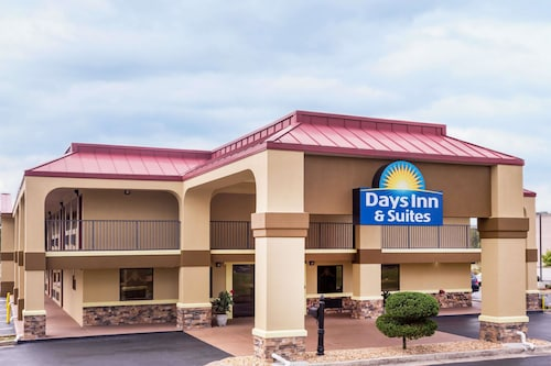Great Place to stay Days Inn & Suites by Wyndham Warner Robins Near Robins AFB near Warner Robins