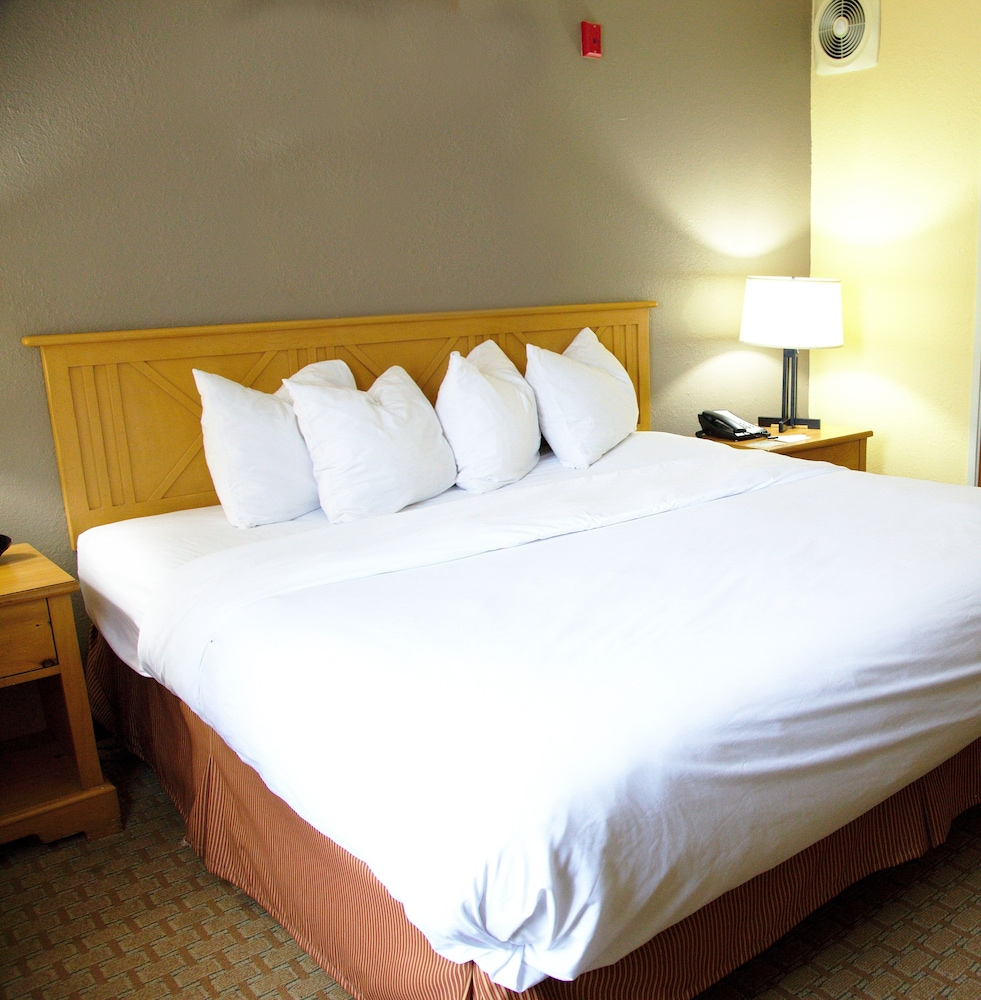 Country Inn & Suites by Radisson, Bloomington-Normal West, IL: 2019