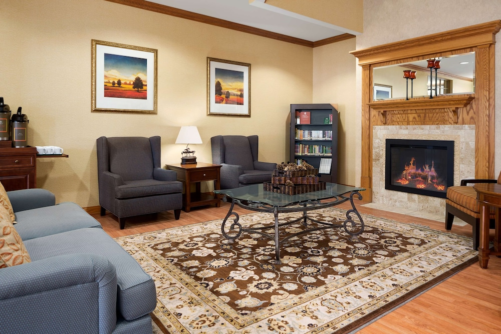 Lobby, Country Inn & Suites by Radisson, Cuyahoga Falls, OH